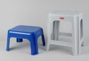 besonderer tritthocker kunststoff mit mehreren stufen. Black Bedroom Furniture Sets. Home Design Ideas